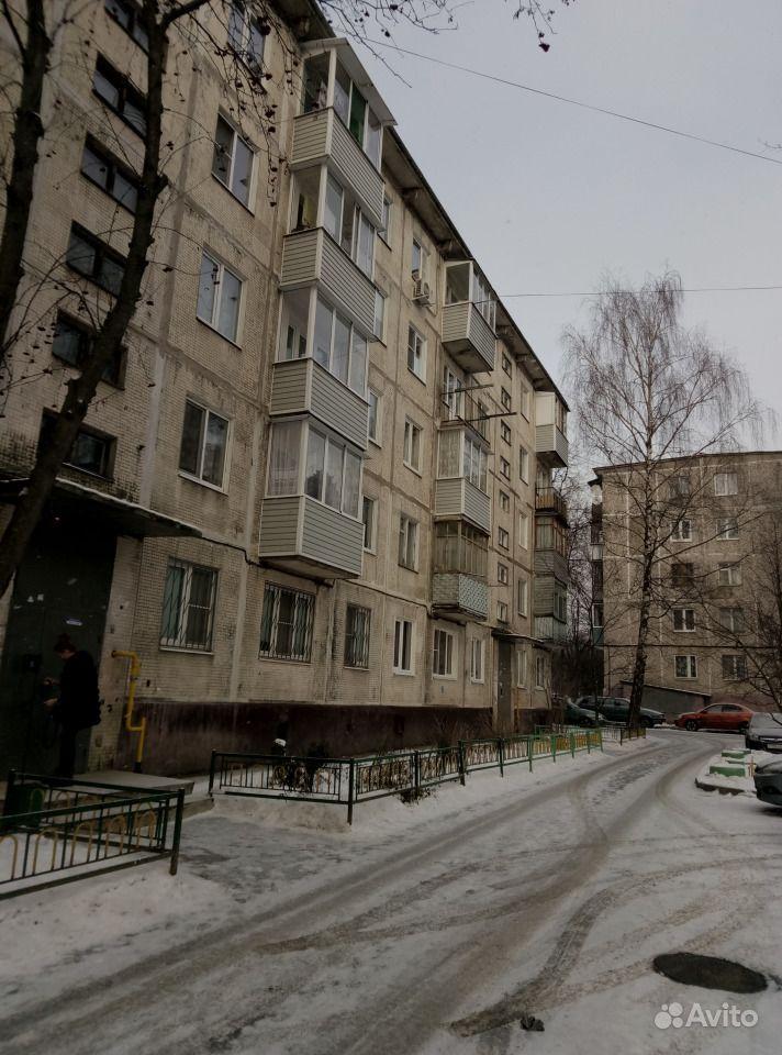 Продаю: 3-к квартира, 56 м , 3 5 эт.. Московская область, Чехов