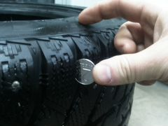 Bridgestone ICE cruiser 215/55 R17 комплект+бонус