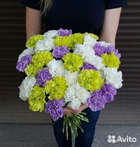 roz-buket-na-zakaz-v-spb-optom-tsveti-na-zakaz-gladiolusi-foto