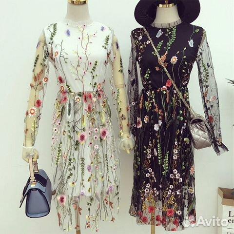 97c12598e99697 Платье чёрное XS-S с цветочной вышивкой выше колен— фотография №1