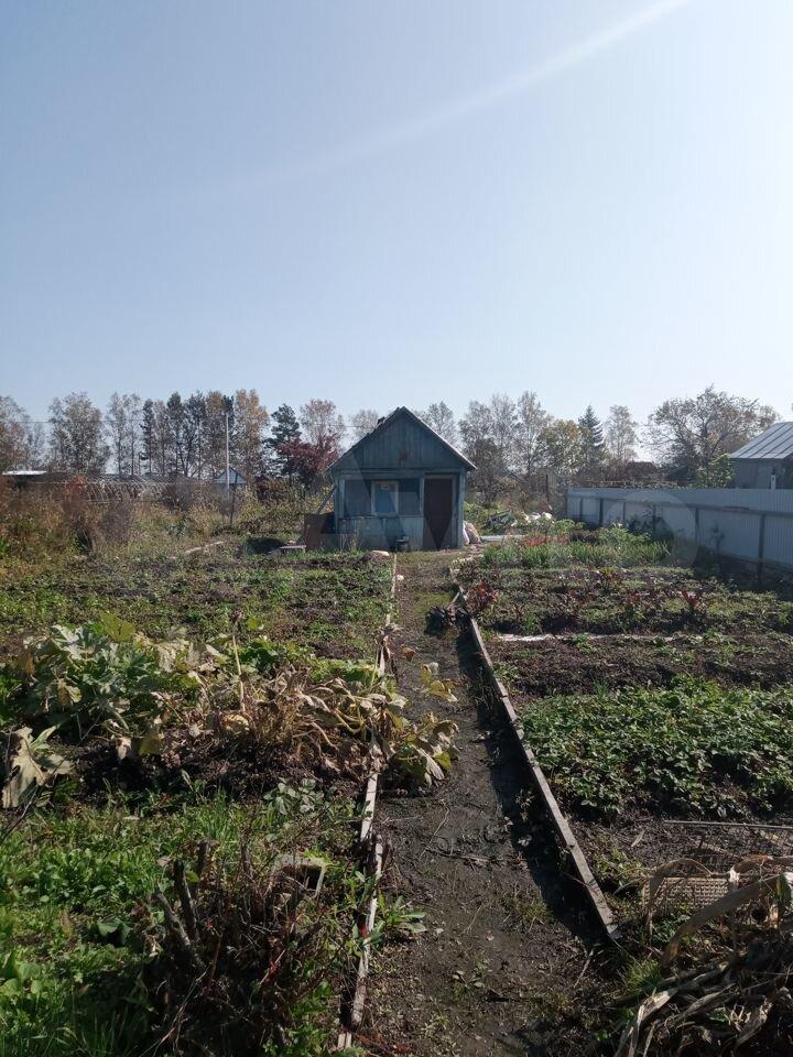 Gartenhaus 20 m2 auf einem Grundstück von 4 Honigwaben.