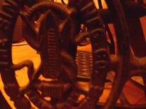Старинная швейная машинка германия